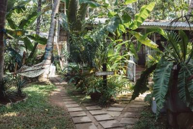Hirikiteya Dots Bay House - Sri Lanka